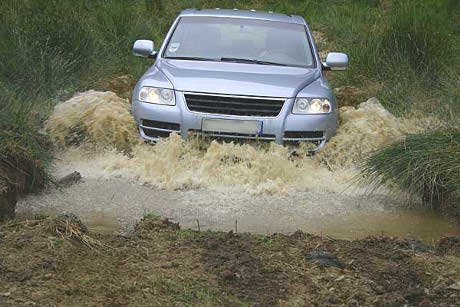 Tips For Driving Off Road In Your Four Wheel Drive Vehicle offroad driving
