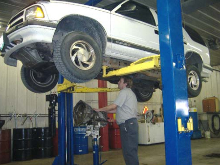 Truck Maintenance Program Keeps Your Truck Always Enlivening! truck transmission maintenance