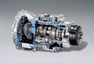 Worlds first double clutch transmission for commercial vehicles Fuso dsg truck