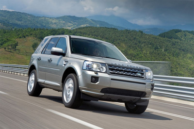 2011 Land Rover Freelander LR2 Revealed 2011 Land Rover LR2